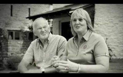 John Curtis y Jayne Leach